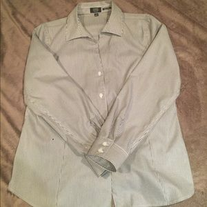 Woman's Jones New York Blouse